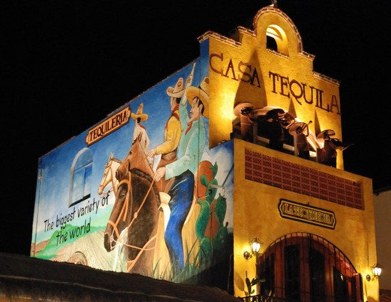 casa-tequila-playa-del-carmen-mexico-1k3